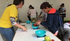 La Consejera de Agricultura forma a 1400 menores para desarrollar huertos escolares