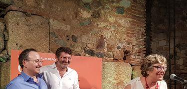 El Festival de Mérida homenajea a Luisi Penco por sus 25 años como sastra del certamen