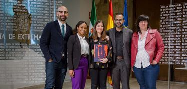 Junta colabora lucha contra violencia a mujeres lesbianas, bisexuales y trans de Colombia