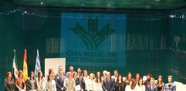 Caja Rural Extremadura conceder 20 becas para premiar mejores expedientes de ESO y FP