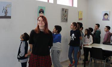 Muestra feminista Mujeres sin rostro, de Altea W.J. en El Economato de Mérida