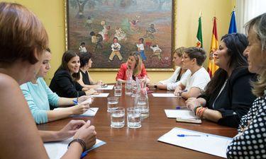 Martín: la Asamblea Extremadura seguirá trabajando en Igualdad y conciliciación familiar