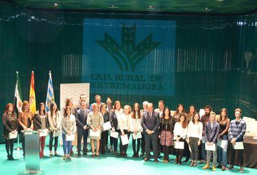 Caja Rural Extremadura concederá 20 becas para premiar mejores expedientes de ESO y FP