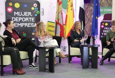 Sonia Bejarano y Ana Carrasco, y supermercados DIA, Premios Deporte y Mujer de Extremadura