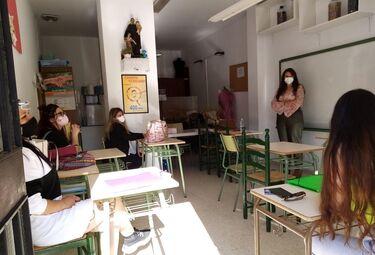 Delegación Igualdad desarrolla talleres sensibilización con alumnas del Curso Dependienta