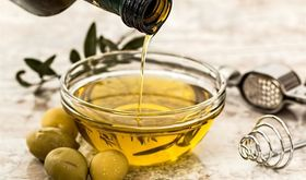 La Unin reclama que agricultores espaoles no reciban precio menor por aceite y tomate