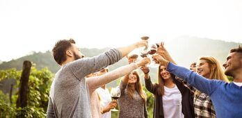 Artistas musicales participan este sbado en una campaa para apoyar el Movimiento Vino DO en Almendralejo