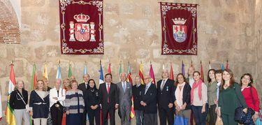 Encuentro asociaciones francesas Orden Nacional del Mérito y Mujeres Avenir
