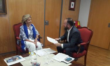 Herrera y Lobato estudian aumentar atención víctimas violencia género en Almendralejo