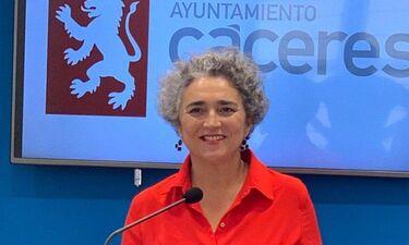 Ayuntamiento de Cáceres repartirá entre los centros escolares 15.000 calendarios violetas