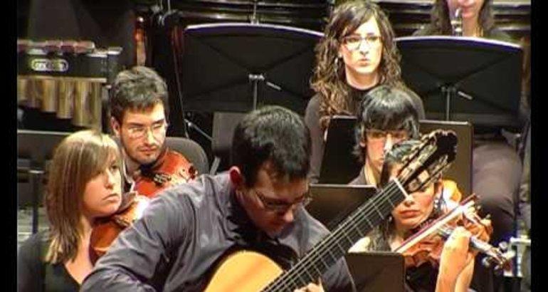 Guitarrista Carlos Almoril da concierto en Museo Etnográfico Textil Pérez Enciso Plasencia - Región Digital