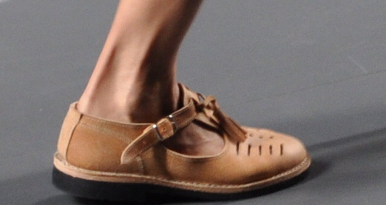 La feria líder en el mundo del calzado y accesorios, que se celebra en Düsseldorf, presenta las tendencias del próximo año en calzado, y las zapatillas