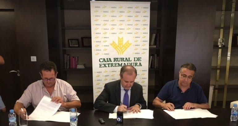 Acuerdo entre caja rural de extremadura y las asociaciones for Caja de extremadura oficinas