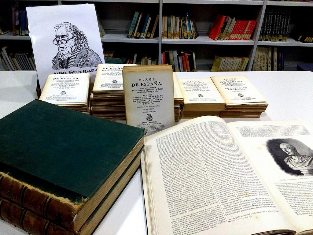 El escritor rafael s nchez ferlosio dona a la biblioteca - Libros antiguos valor ...