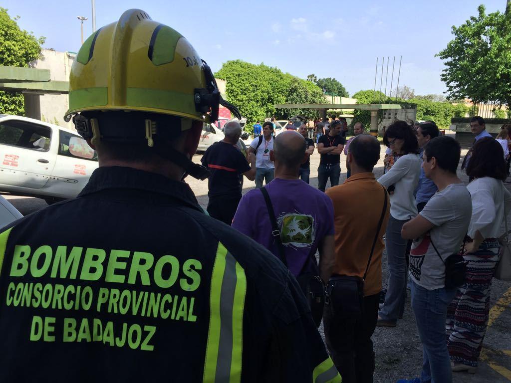 Efectivos del cpei de badajoz participan en el ii congreso - Jefatura provincial de trafico de badajoz ...