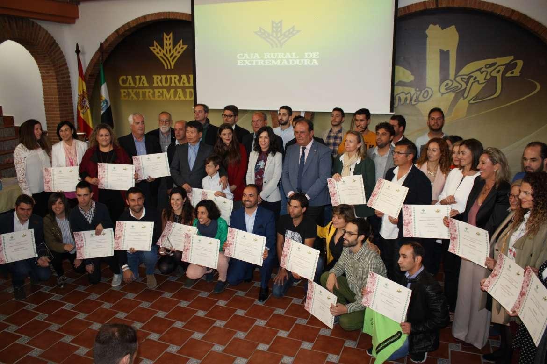 Caja rural de extremadura reconoce valores como sacrificio for Caja de extremadura oficinas