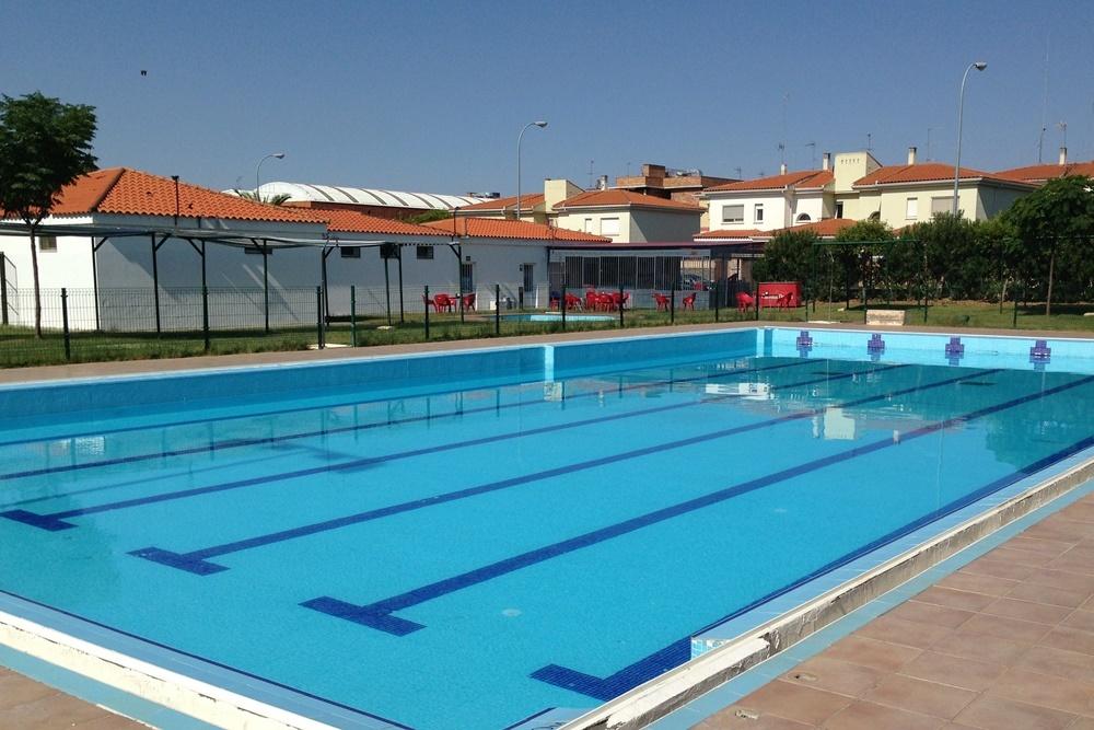 Este viernes se abrir n las piscinas municipales de m rida for Piscinas municipales madrid 2016